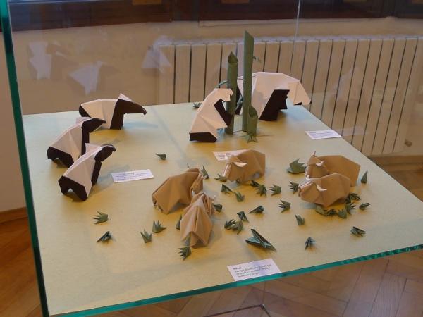 Kunihiko_Kasahara_Joy_of_origami.jpg